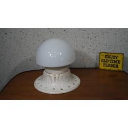 Mooie oude porceleinen plafondlamp met melkglas