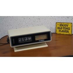 Hele mooie Vendomatic V133 flipklok - wekkerradio