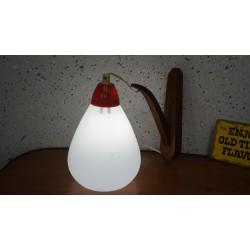 Leuk vintage wandlampje - hout melkglas