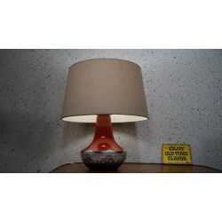 Mooi keramieken tafellampje met kap
