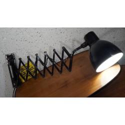 Hele mooie Bauhaus schaarlamp - wandlamp