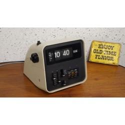 Mooie goed werkende Elac RD100 flipklok radiowekker