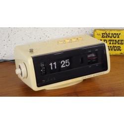 Prachtige  Sony flipklok - wekkerradio 8FC-100E