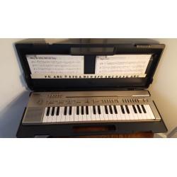 Vintage YAMAHA Portasound PC-100 Keyboard-magneet kaarten